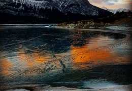 Sunrise over Abraham Lake: Photo by Siv Heang
